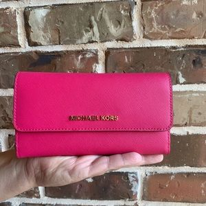 OFFERS? NEW Michael Kors Trifold Wallet